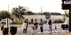 Protesters outside Tarnow's Florida abortion clinic