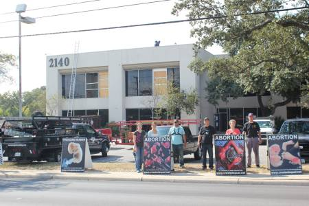 Created Equal protests in front of San Antonio Planned Parenthood.  Image credit: Created Equal FB page