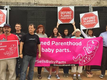 PLanned Parenthood protest 8254456578152_4180112201174822528_n
